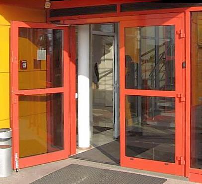 Stolarka aluminiowa, witryna, drzwi